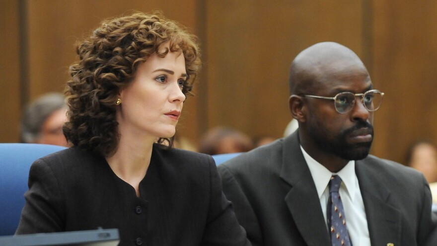 Sarah Paulson plays prosecutor Marcia Clark and Sterling K. Brown plays fellow prosecutor Christopher Darden in the FX series <em>The People v. O.J. Simpson: American Crime Story.</em>