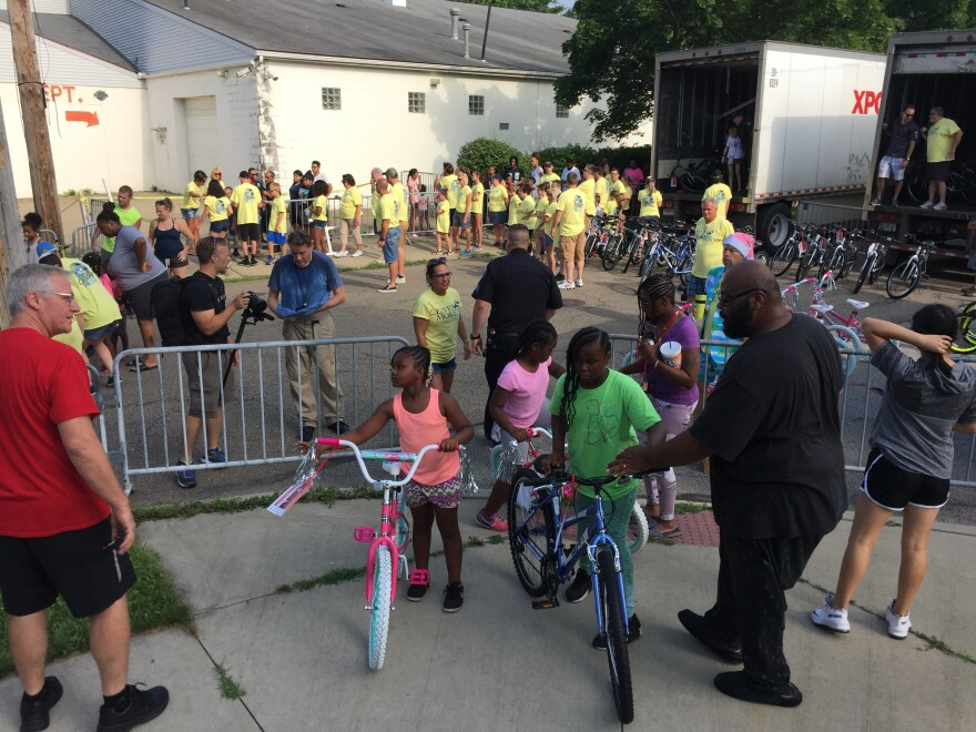 photo of Akron North Hill bikes and Williams family
