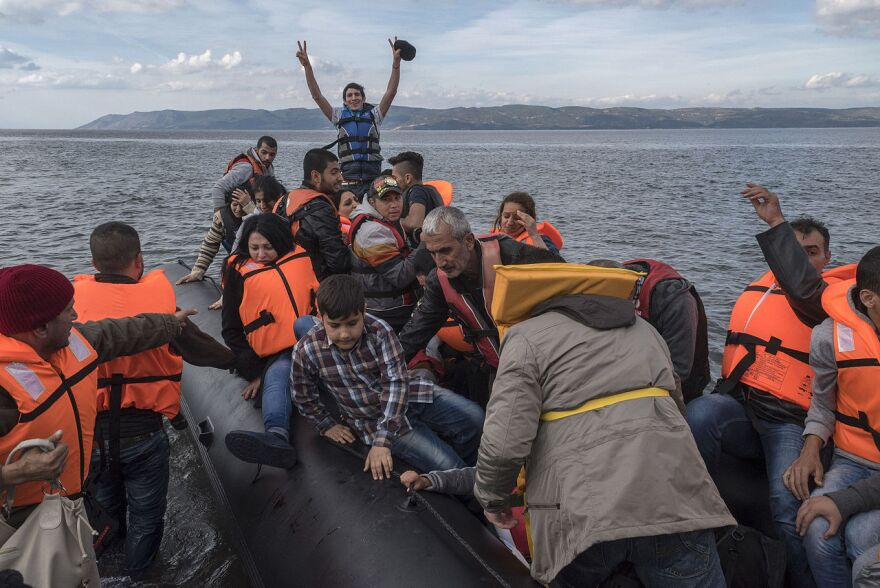 Syrian_Refugees_arrive_Lesvos_Greece.jpg