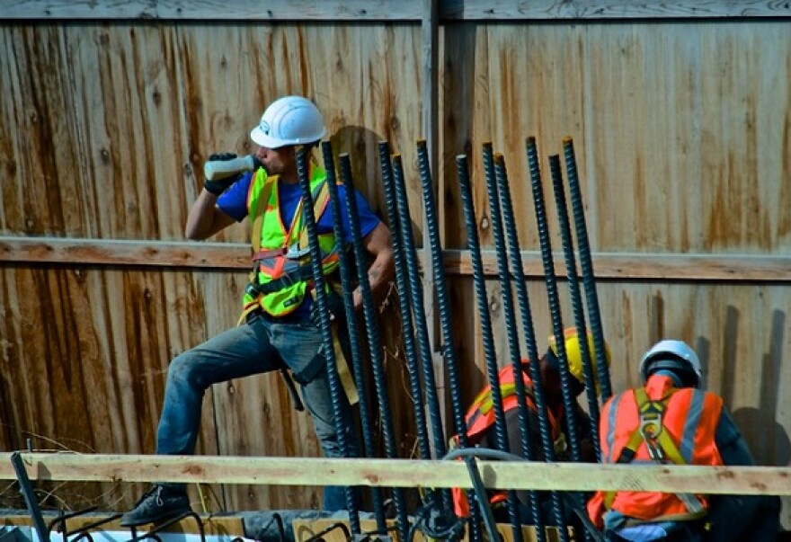 construction_workers_0.jpg