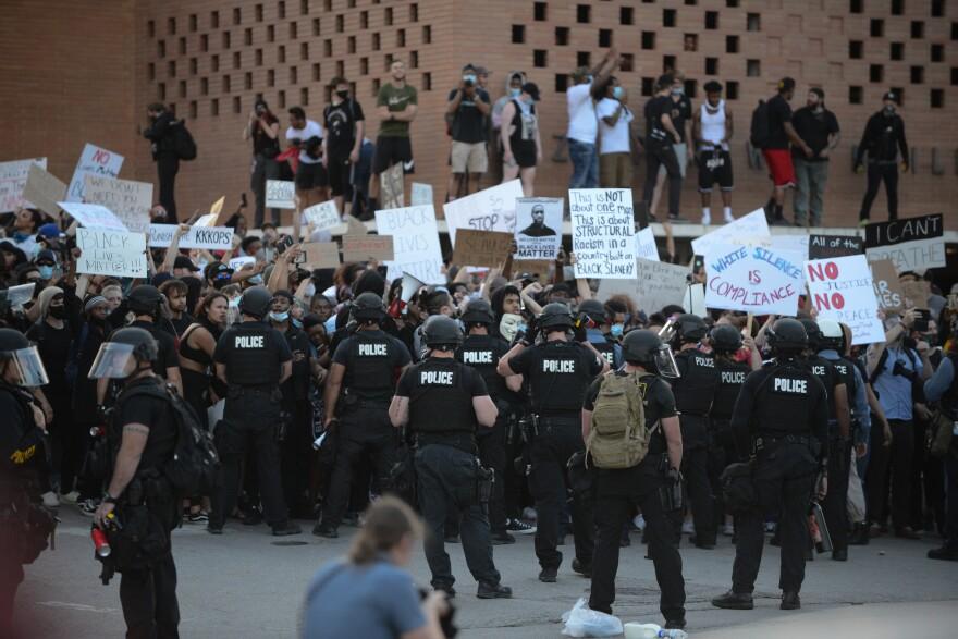 053120_Plaza protest Crowd_Moreno.jpg