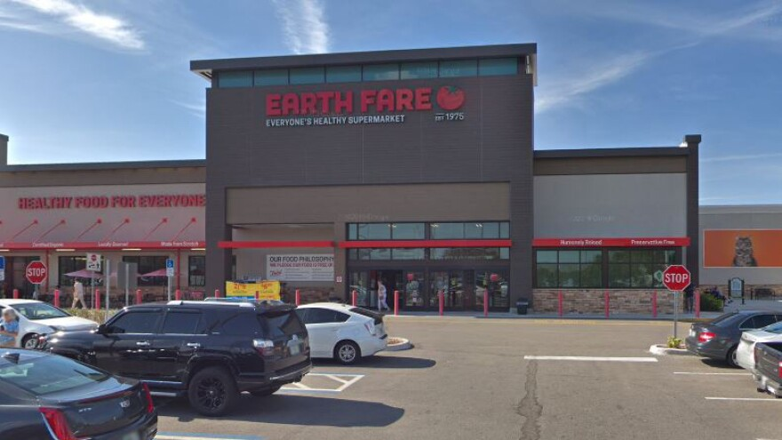 Front of an Earth Fare store