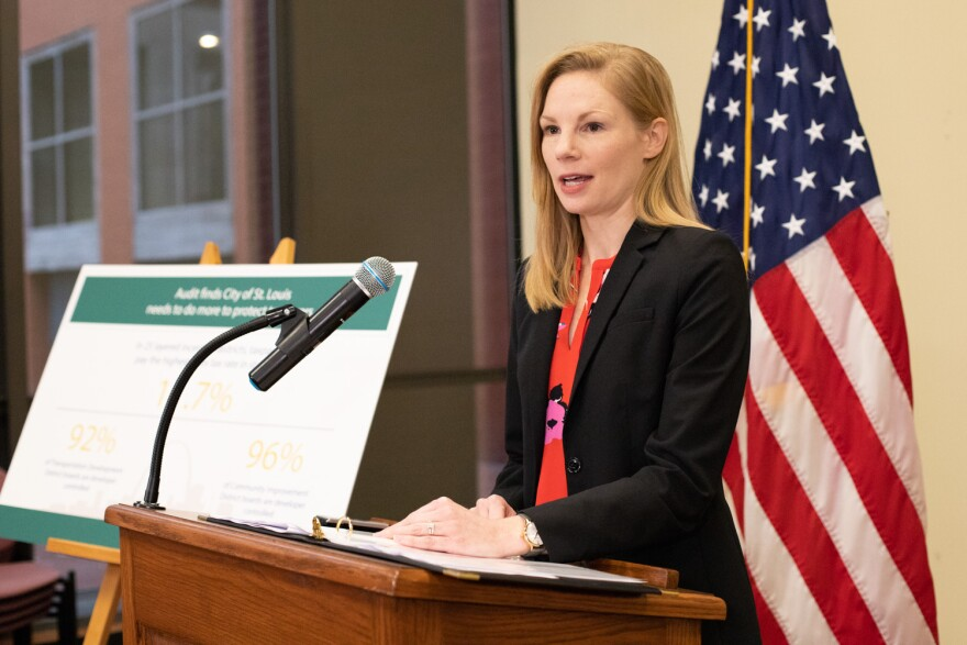 Missouri state auditor Nicole Galloway presents an audit's findings of the city of St. Louis' local taxing districts. 11/21/19
