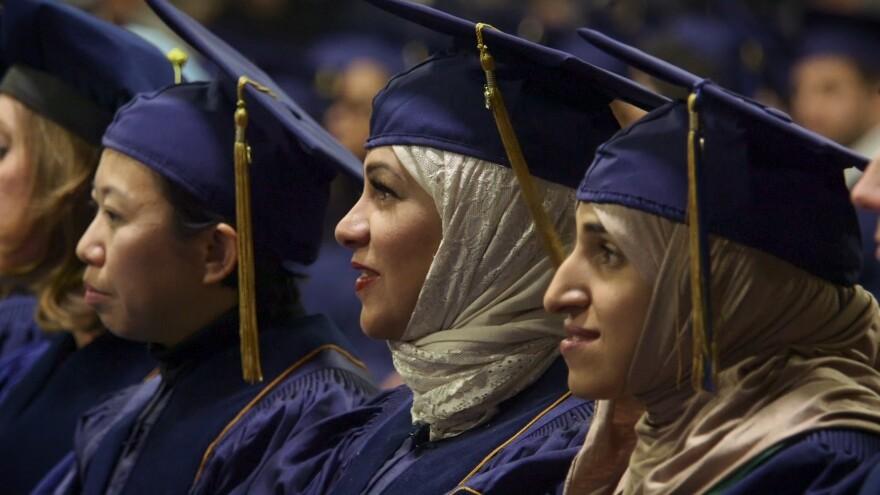 unc_graduates_2.jpg