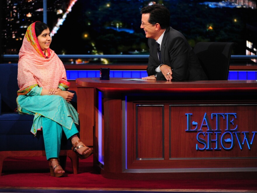 Nobel Prize Laureate Malala Yousafzai tried to read Stephen Colbert's mind on <em>The Late Show</em>.