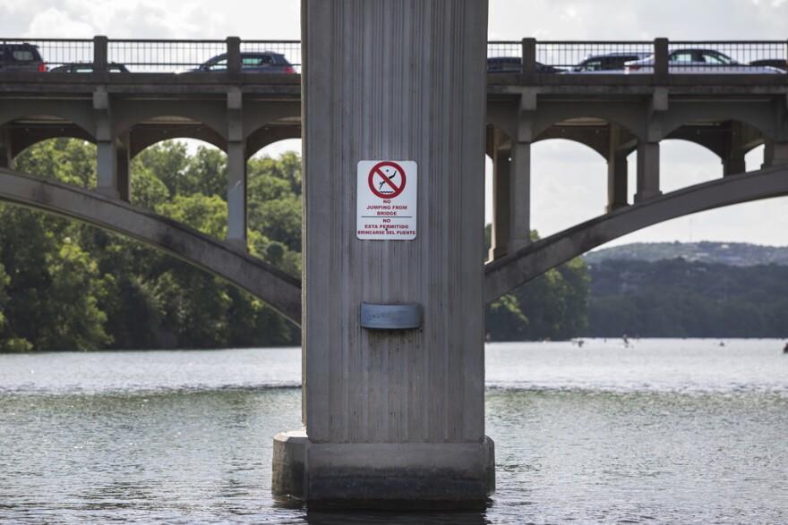 no_swimming.jpg