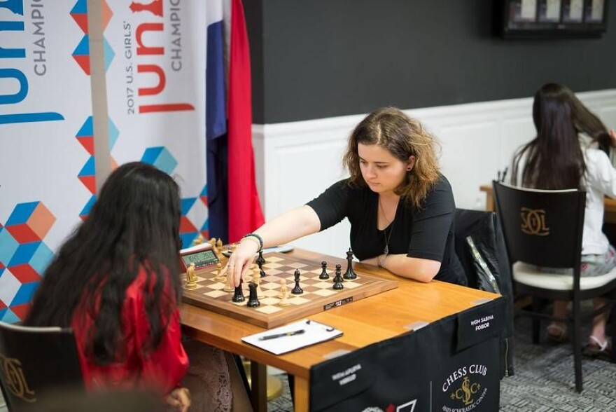 Sabina Foisor faces an opponent in the 2017 U.S. Women's Chess Championships.