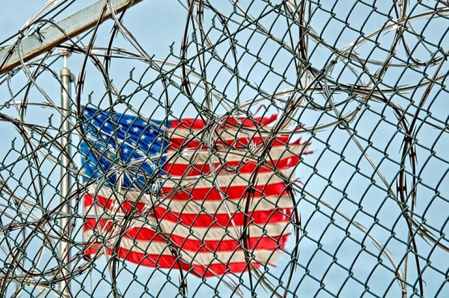 prison-370112_640.jpg