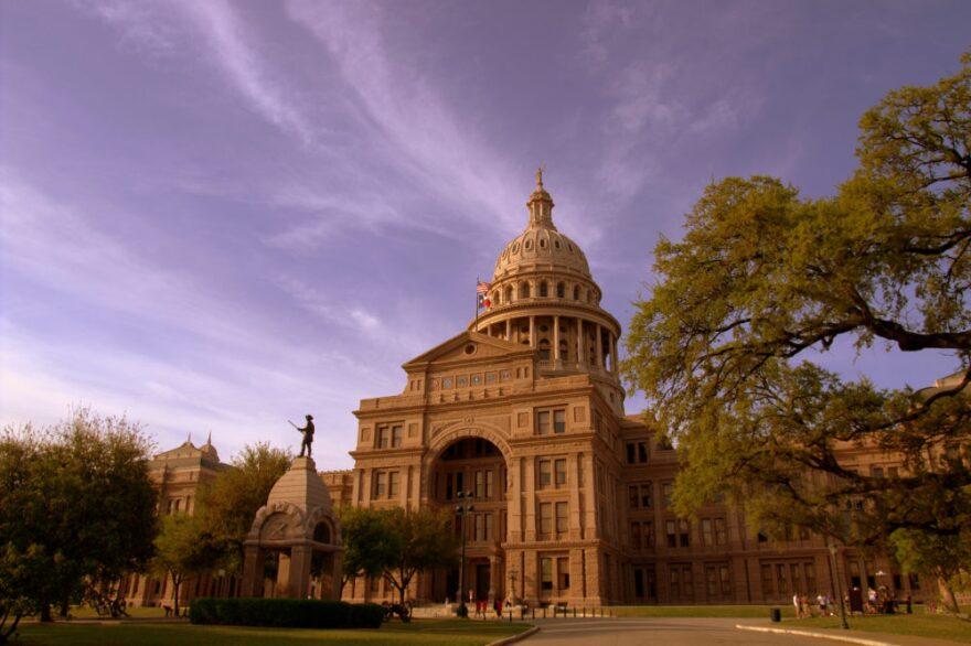 Texas_State_Capitol_-_Austin_Texas-1000x666.jpg