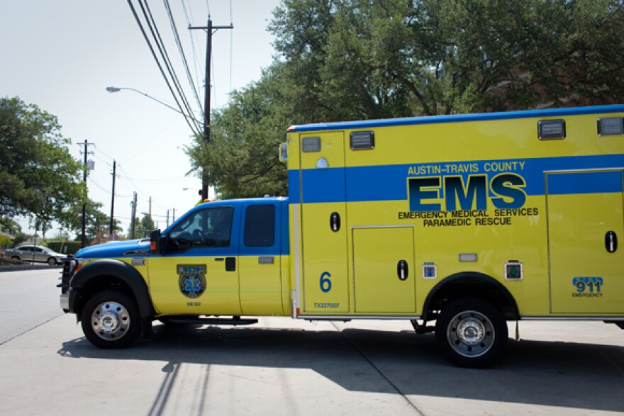EMS_-_Travis_County_Ambulance_-_Near_St_David_-_By_Daniel_Reese_-_01.jpg