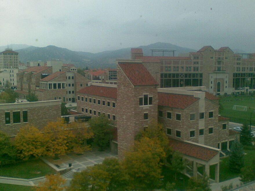 800px-CU_Boulder_buildings.jpg