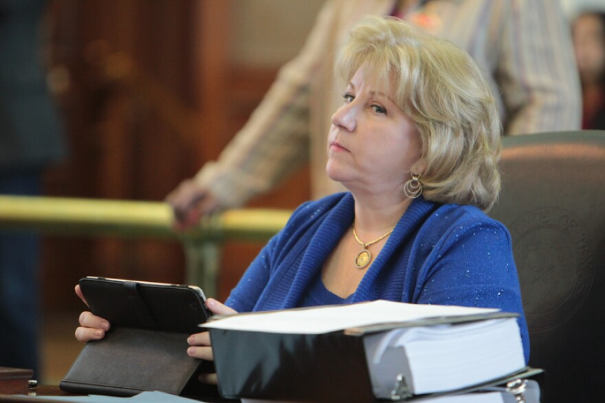 Sen. Jane Nelson (R-Flower Mound) filed a bill to require drug screening and testing for TANF applicants.