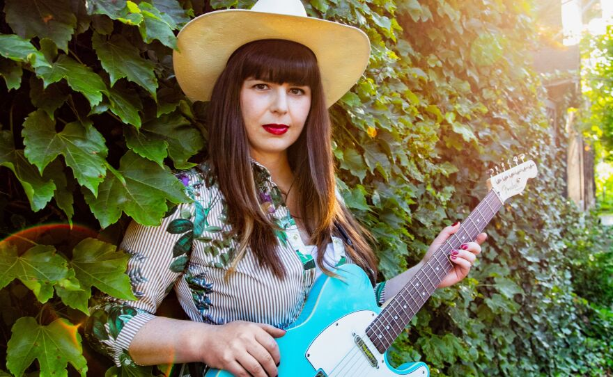 """Singer-songwriter Beth Bombara joined Tuesday's """"St. Louis on the Air"""" to discuss how she continues to perform — virtually — during the pandemic."""