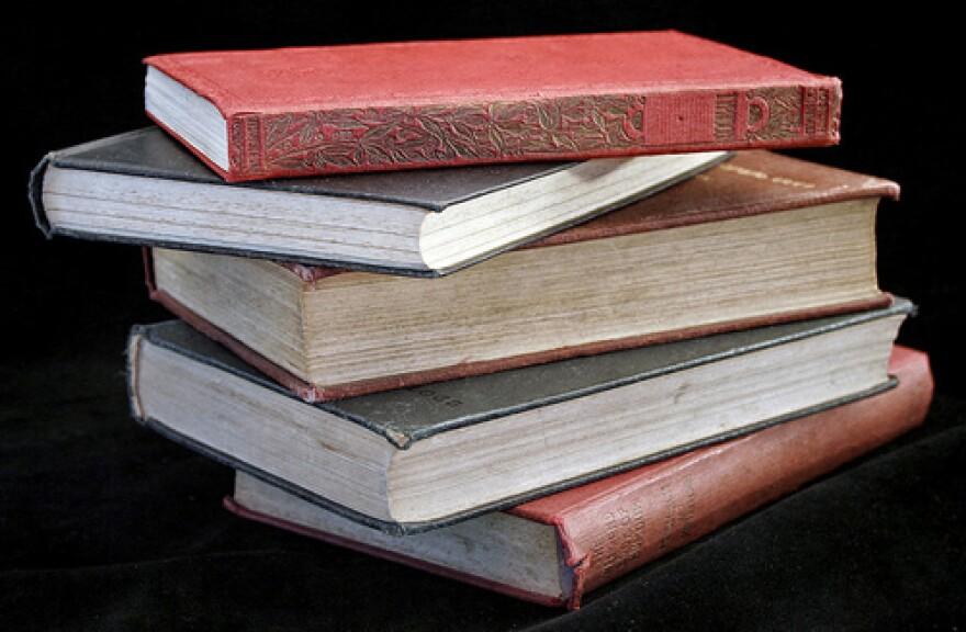 booksviaflickrBrendaClarke.jpg