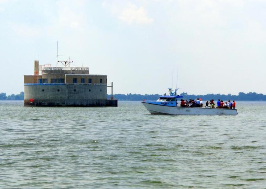 0914boat.jpg