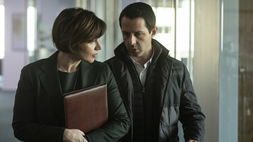 Kendall (Jeremy Strong, right) is back in season 2, still dealing with members of his father's staff, like Karolina (Dagmara Dominczyk).