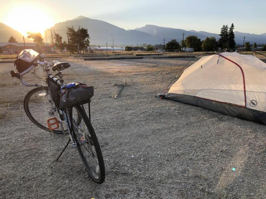 bike_camping.jpg
