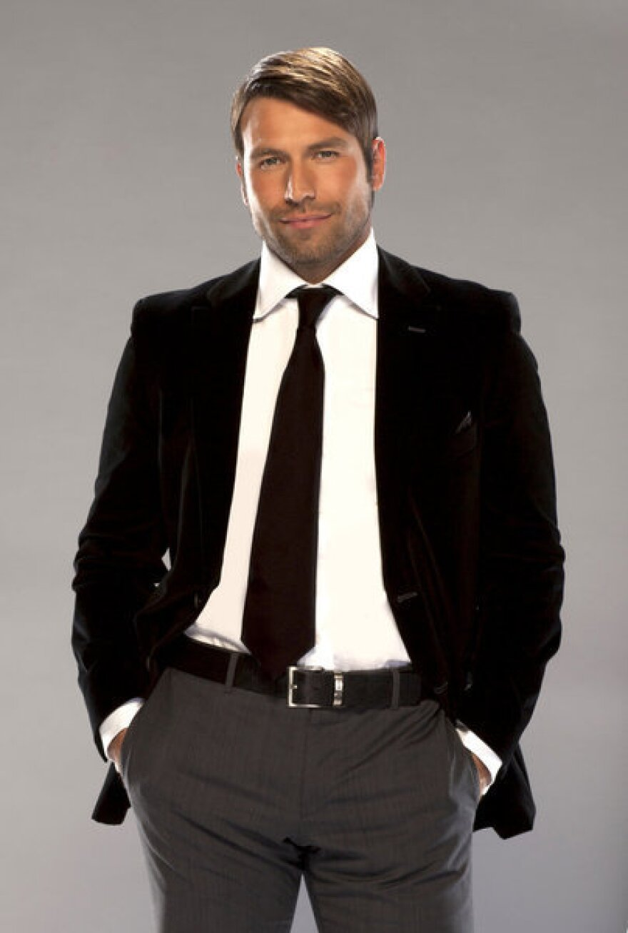 Rafael Amaya plays drug lord Aurelio Casillas on <em>El Señor de los Cielos.</em><em></em>