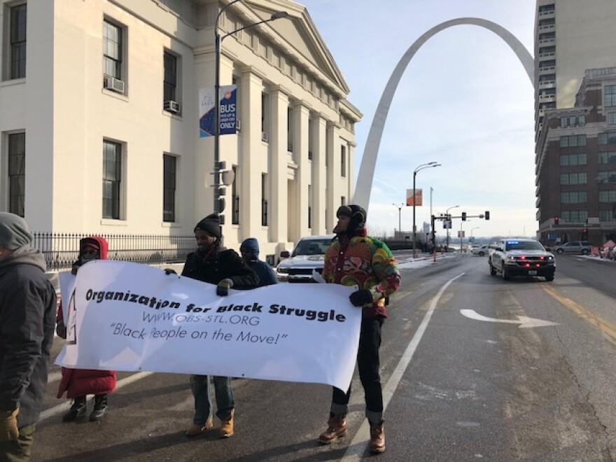 After abbreviated remarks on the steps of the Old Courthouse, marchers took their places on Market Street on Jan. 21, 2019.
