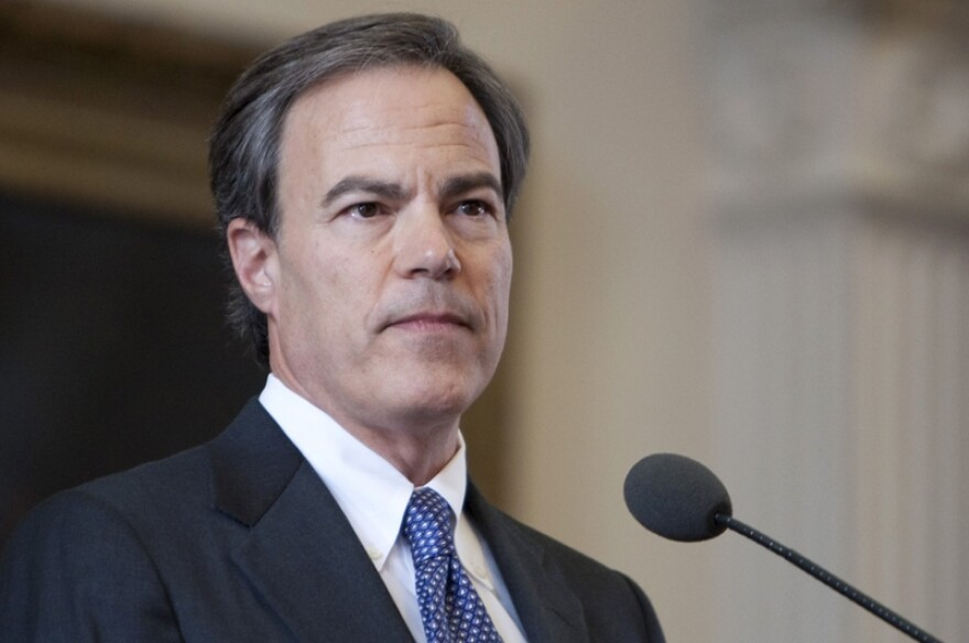 SpeakerStraus_jpg_800x1000_q100.jpg
