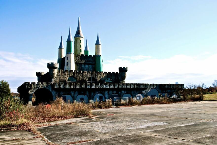 Heritage_Castle_abandoned_0.jpg