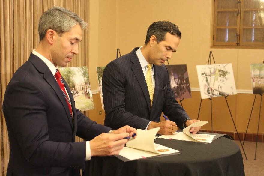 Bush-Nirenberg-Alamo-signing-PALACIOS-100218.JPG