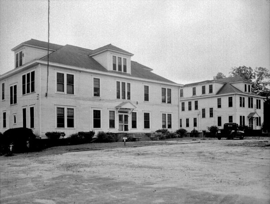 We see the FAMU hospital and annex in the 1940s