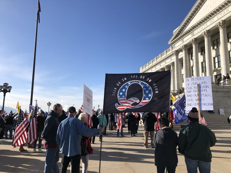A photo of Pro-Trump protestors at the Utah State Capitol.