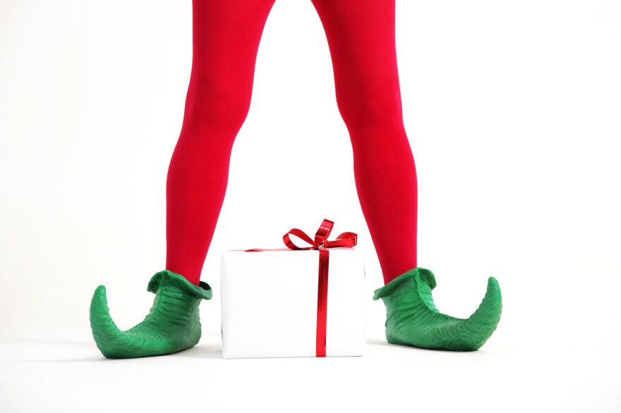 Pretend you're an elf who works at Santaland. Tell us about your imaginary shift.