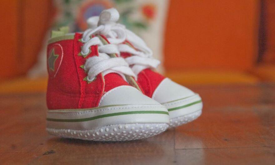 baby_converse.jpg