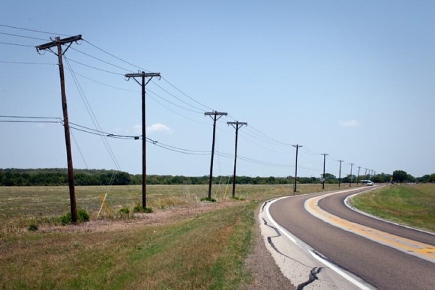Energy_-_Power_Line_-_Rural_Road_-_By_Daniel_Reese_-_01.jpg
