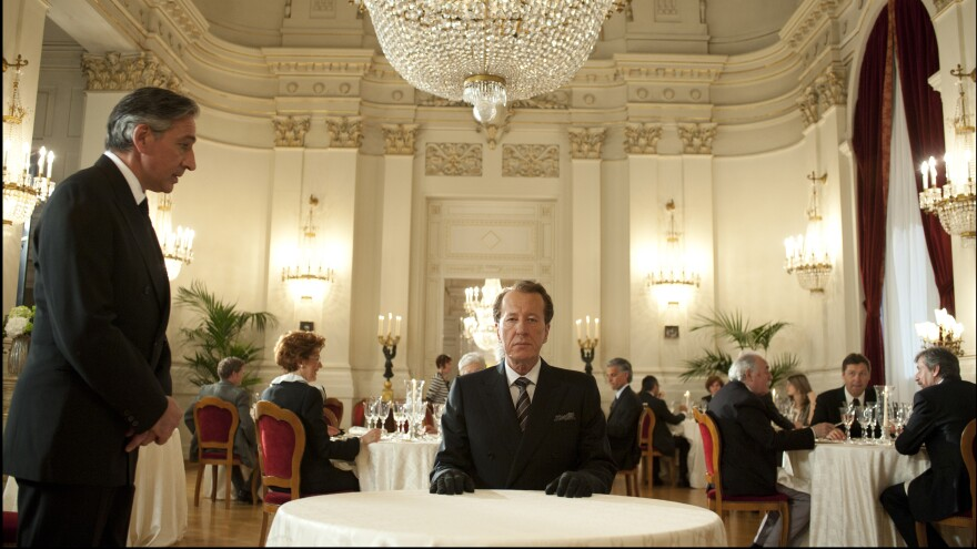 Geoffrey Rush plays an obsessive art auctioneer in <em>The Best Offer, </em>a mystery-cum-romance from the director of <em>Cinema Paradiso.</em>