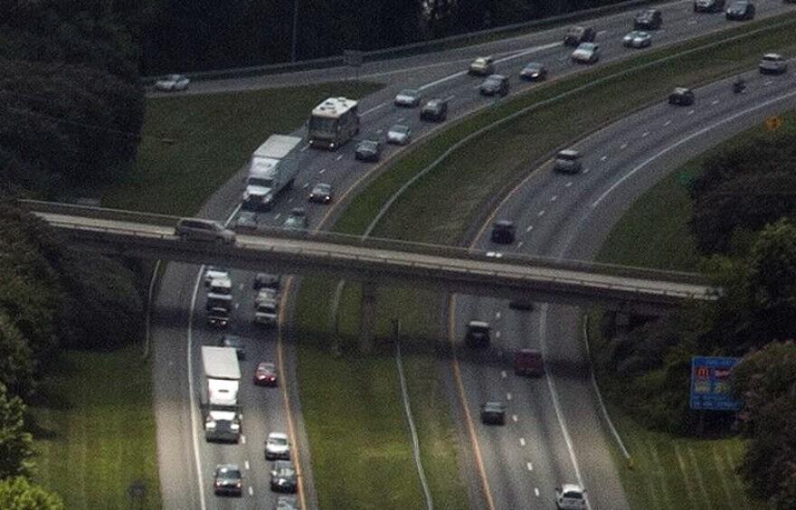 Traffic on I-77 near Lake Norman
