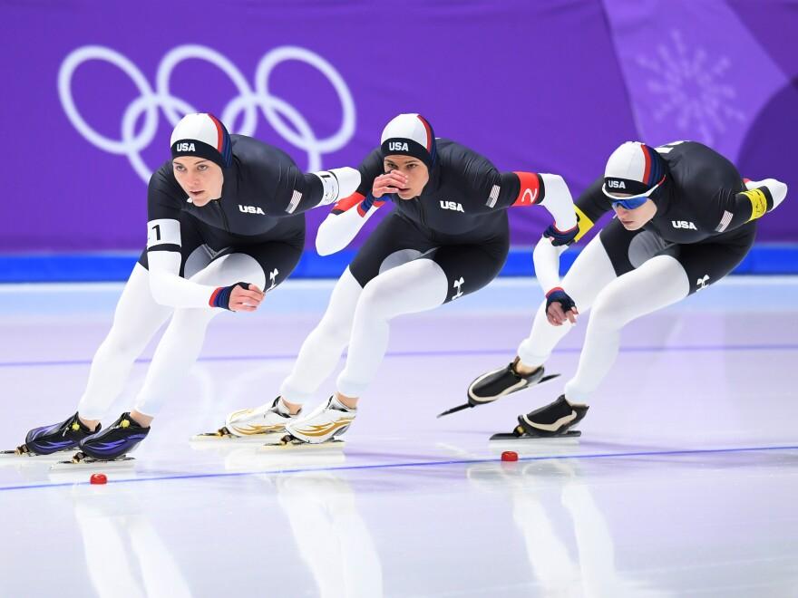 U.S. speedskaters Heather Bergsma, Brittany Bowe and Mia Manganello compete against Canada, winning bronze on Wednesday.