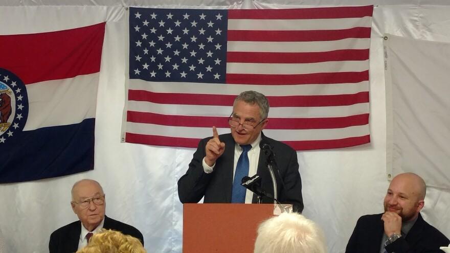 Former Lt. Gov. Joe Maxwell ignites crowd at Democrat Days, March 3-5, 2017