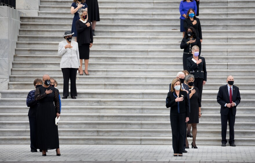 Female Democratic senators and congresswomen including House Speaker Nancy Pelosi as well as Senate Minority Leader Chuck Schumer line up to bid farewell to the late Supreme Court Associate Justice Ruth Bader Ginsburg.