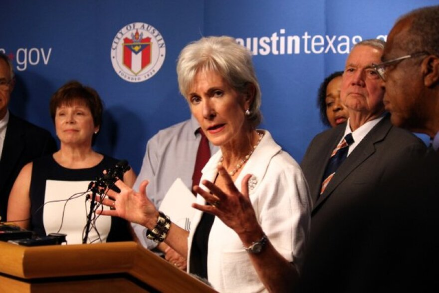 1-Vero_Department_of_Health_and_Human_Services_Secretary_Kathleen_Sebelius_promoted_the_health_insurance_marketplace_under_the_Affordable_Care_Act_during_an_Austin_visit_on_Aug._8,_2013..JPG
