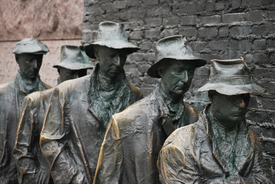 sculpture-18198_1920.jpg