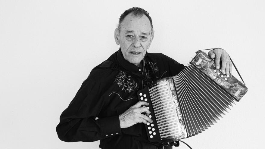 Santiago Jiménez Jr.
