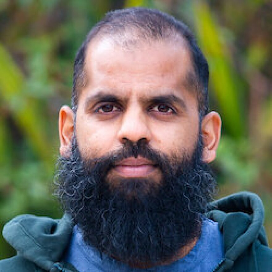 Tarak Shah is a data scientist at HRDAG, where he cleans and processes data and fits models in order to understand evidence of human rights abuses.