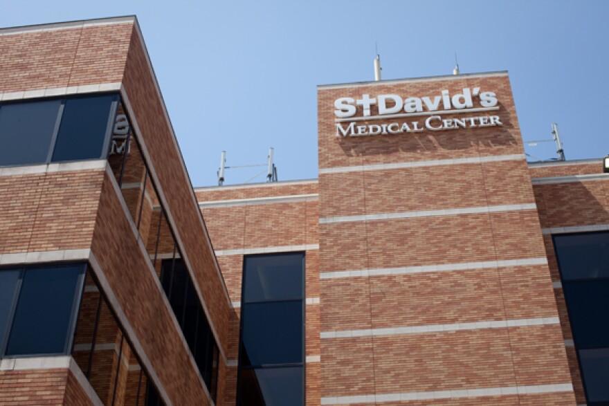 St_David_Medical_Center_-_Hospital_-_By_Daniel_Reese_-_01.jpg