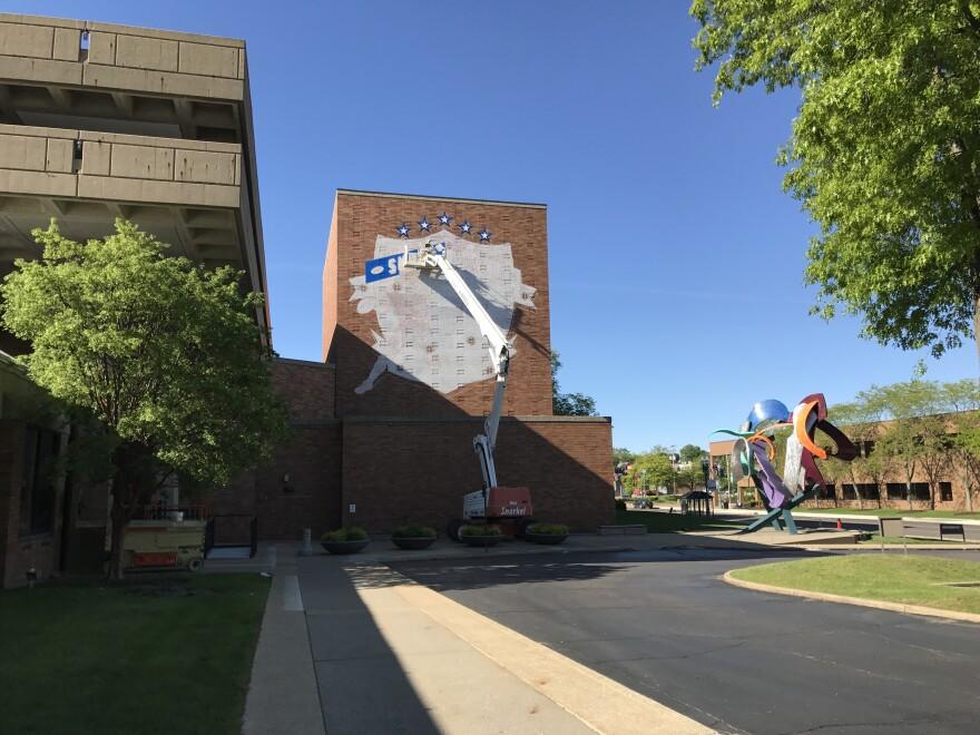 photo of Super Bowl III mural