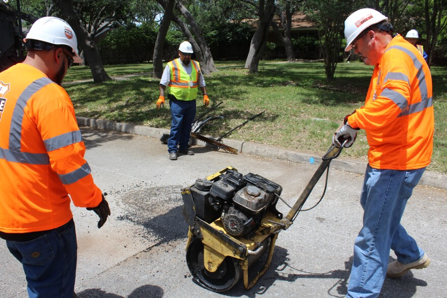 Pothole-patrol-Courage-PALACIOS-042418.JPG