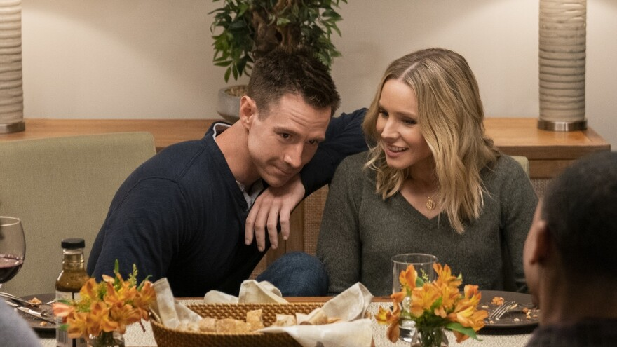 Jason Dohring and Kristen Bell as Logan and Veronica in the new season of <em>Veronica Mars </em>on Hulu.