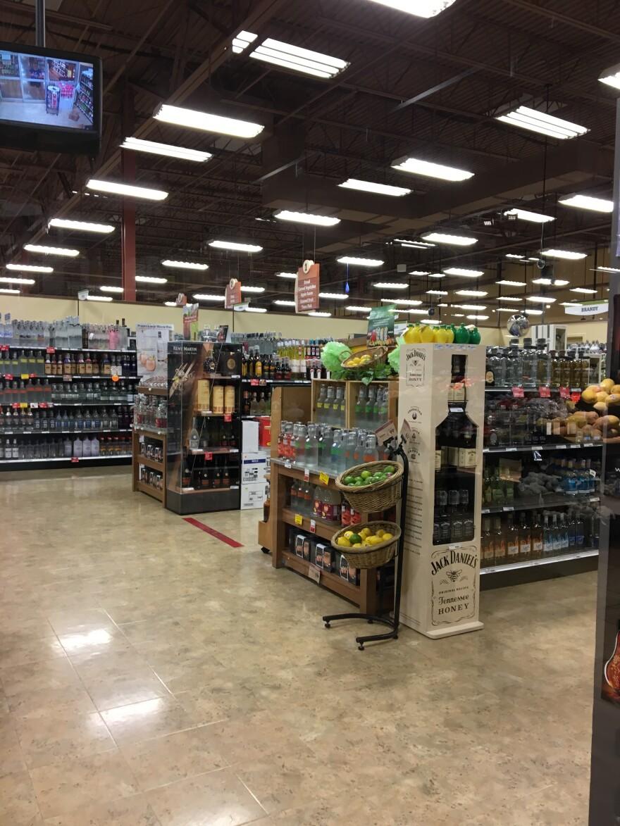 photo of liquor store