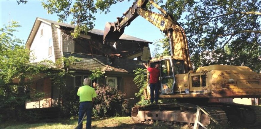 Air Force demolition crew trains and helps the city at the same time