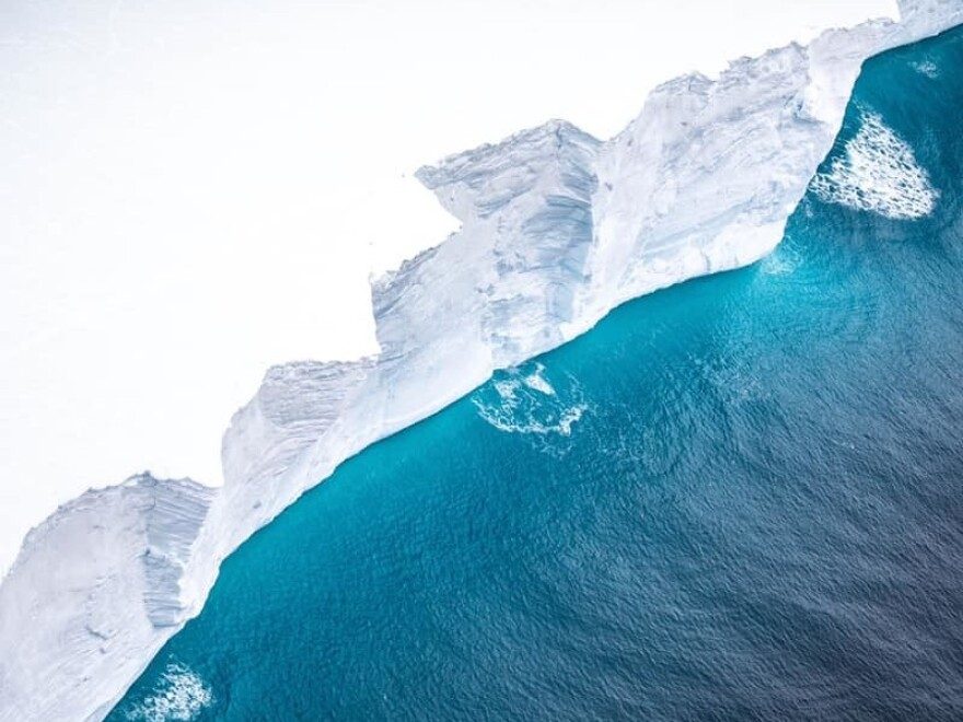 The British Royal Air Force released photos of iceberg A68a on Friday. The massive floe is currently heading in the direction of the island of South Georgia.