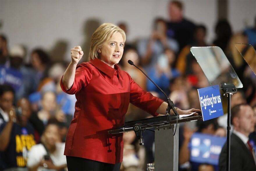 Clinton-Speaking_jpg_800x1000_q100.jpg