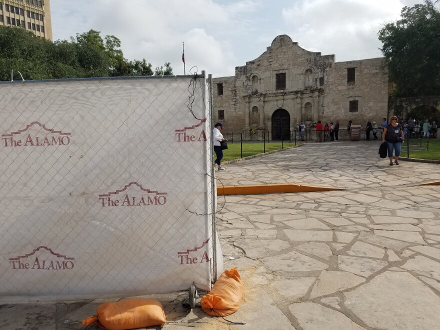 construction_at_the_alamo.jpg