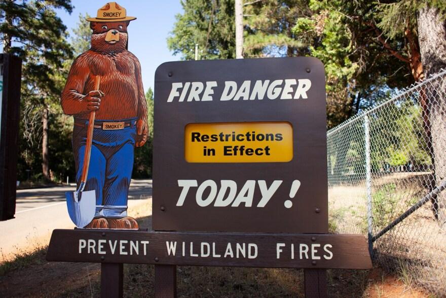 Fire danger sign Smokey - Nixon.jpg
